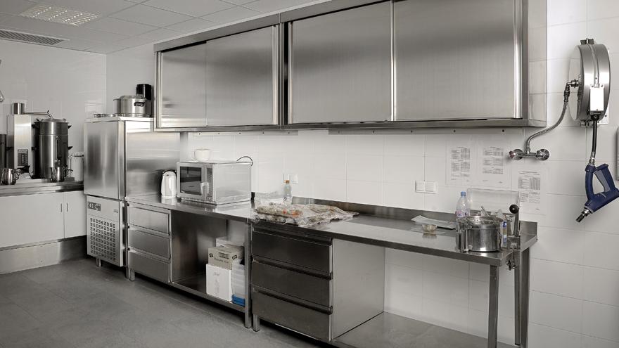 Inox maatwerk grootkeukens for Horeca keukens tweedehands